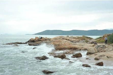 十里银滩更采用国际化滨海度假城布局,构成不可复制的多重价值社区